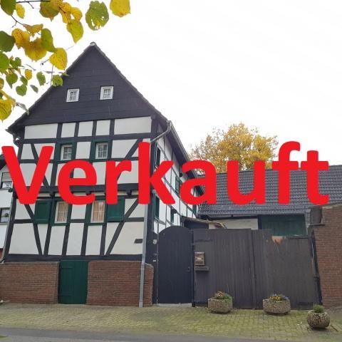 Denkmalgeschützes Fachwerkhaus mit großzügigem Garten, Nebengebäuden und abgeschlossenem Innenhof!